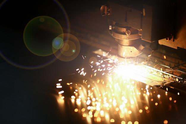 Máquina a laser industrial para metais Foto Premium