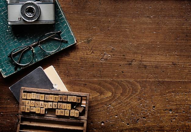 Máquina de escrever retro estilo antigo Foto gratuita