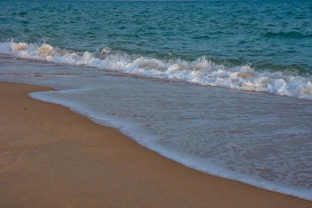 Mar báltico azul. Foto Premium