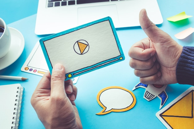 Marketing viral, mídia social, conceito de marketing online Foto Premium