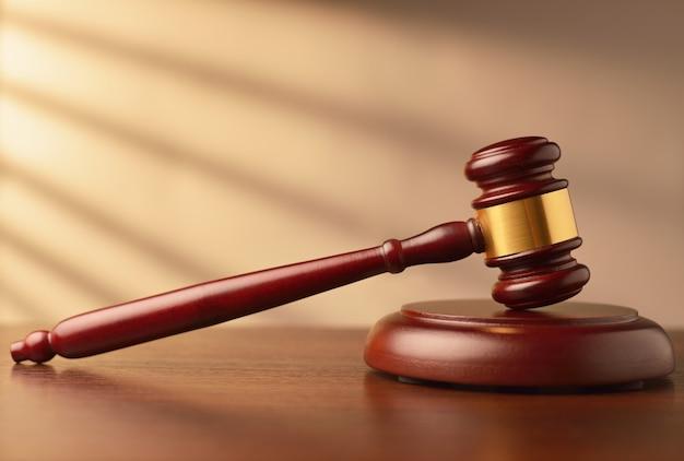 Martelo de madeira ou juiz Foto Premium