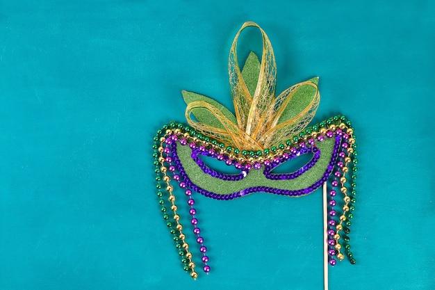 Máscara do disfarce de diy mardi gras, terça-feira gorda. Foto Premium