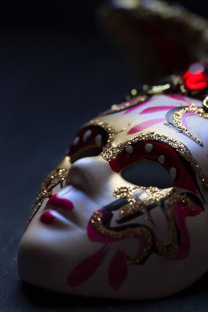 Máscara veneziana perto Foto gratuita
