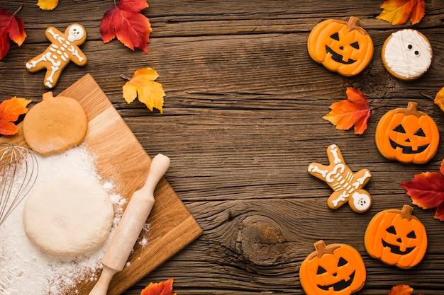 Massa e biscoitos de festa de halloween Foto gratuita