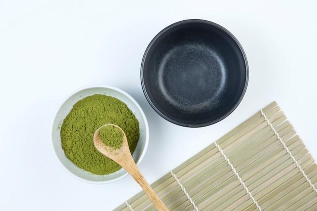 Matcha chá verde em pó japonês ou chinês. Foto Premium