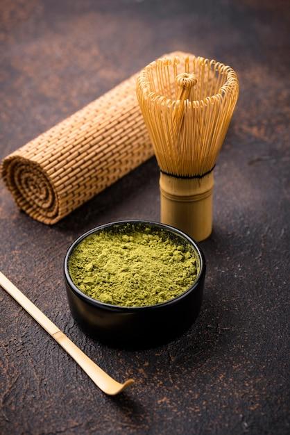 Matcha japonesa chá verde em pó Foto Premium