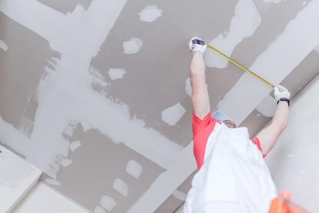 Medição de drywall Foto gratuita