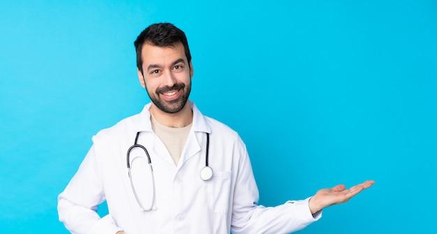 Médico homem isolado parede isolada Foto Premium