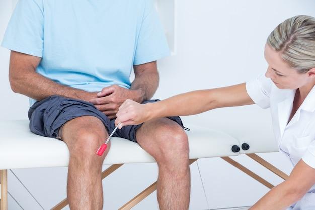 Resultado de imagem para medico joelho