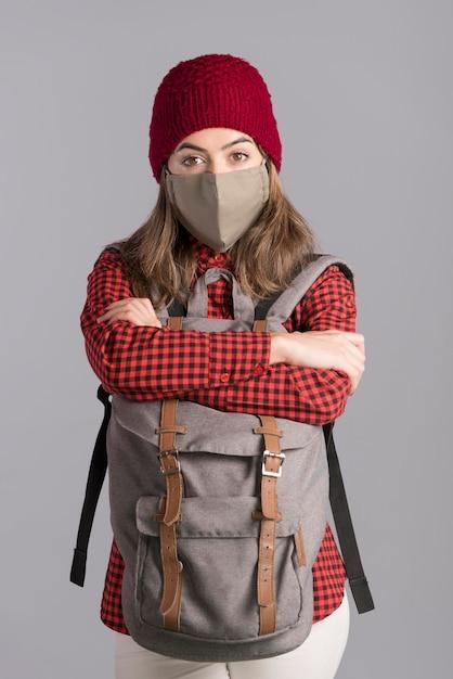 Médio, tiro, mulher, desgastar, máscara Foto gratuita