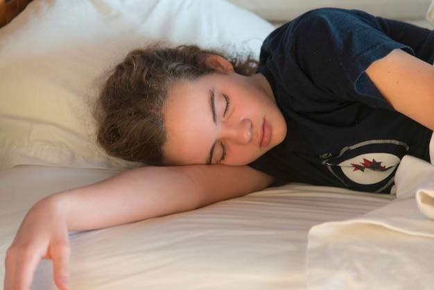 Menina adolescente, dormir, cama, utila, baía, ilhas, honduras ...