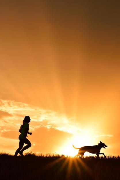 Menina, com, dela, cão Foto Premium