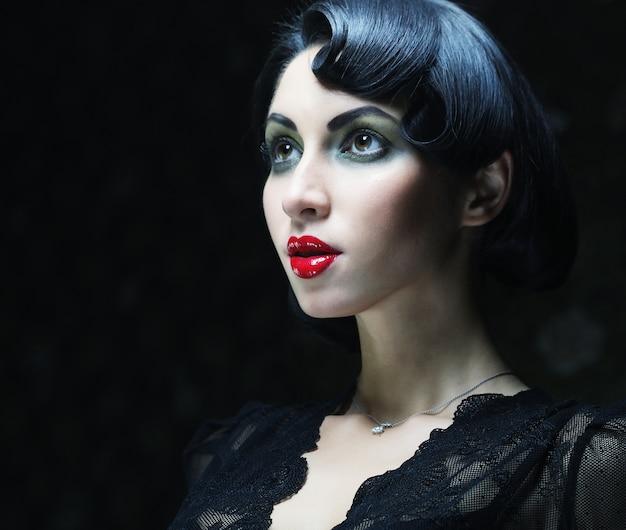 Menina de beleza com cabelo preto, Foto Premium