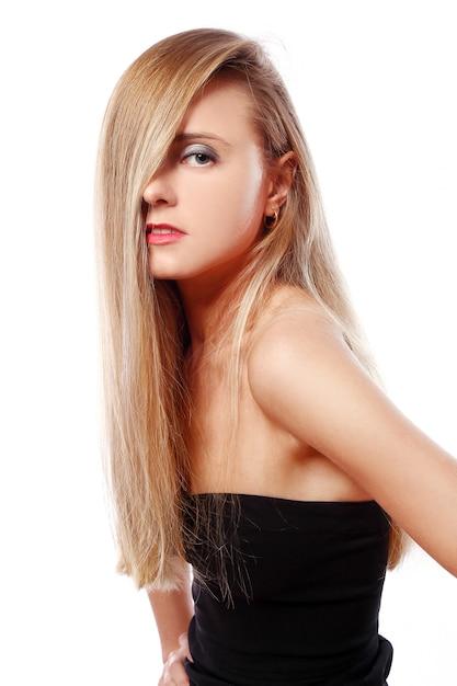 Menina jovem e bonita Foto gratuita
