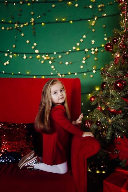 Menina no estúdio Foto gratuita