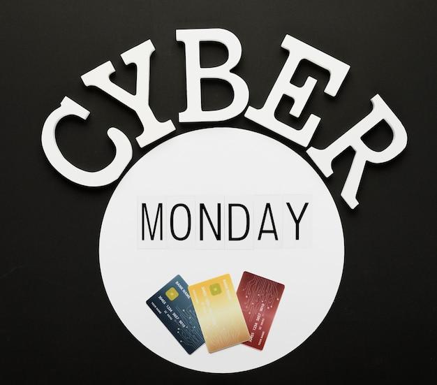 Mensagem de cyber segunda-feira com cartões em círculo Foto gratuita