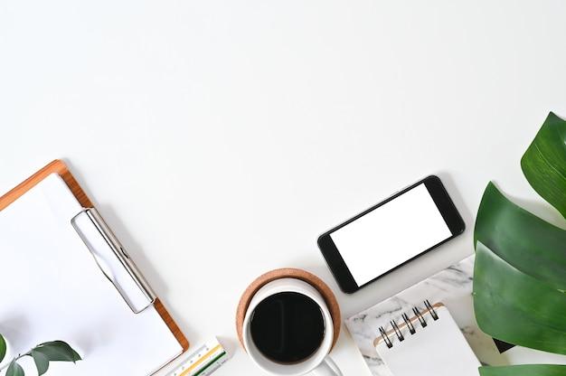 Mesa de escritório vista superior Foto Premium