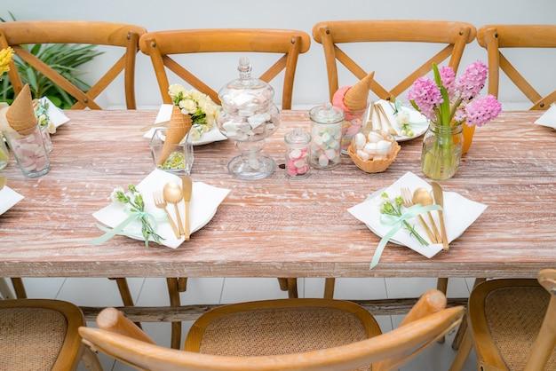 Mesa de jantar do partido Foto Premium