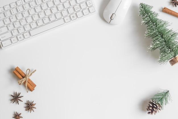 Mesa de mesa de escritório de mesa de natal Foto Premium
