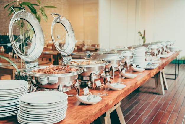 Mesa gourmet restauração prato branco Foto gratuita