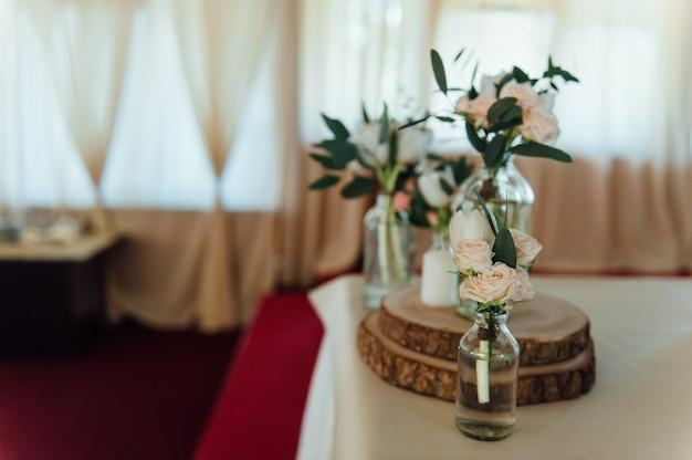 Mesa posta para casamento ou outro evento servido Foto Premium