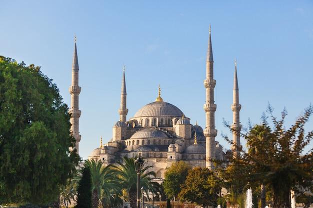 Mesquita azul em istambul em um dia ensolarado Foto Premium