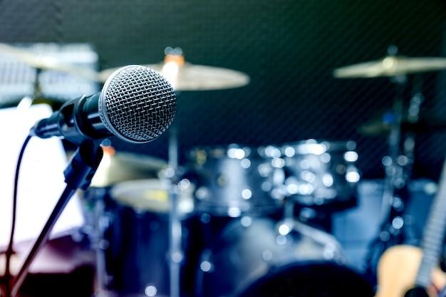 Microfone condensador profissional de estúdio, conceito musical. gravação Foto Premium