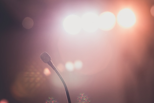 Microfone na sala de reunião para uma conferência. Foto Premium