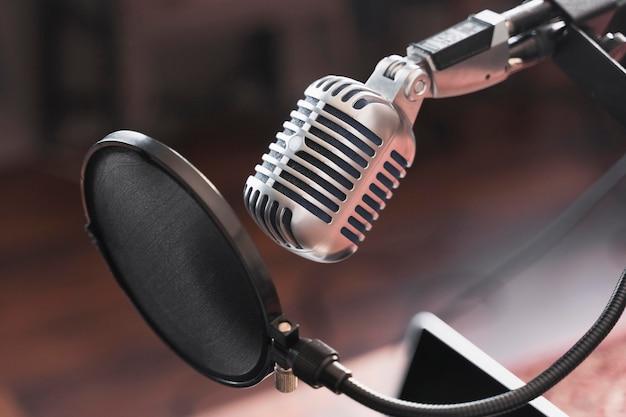 Microfone para entrevista Foto gratuita