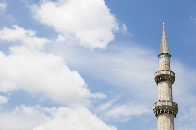 Minarete da mesquita suleymaniye em istambul, turquia Foto Premium