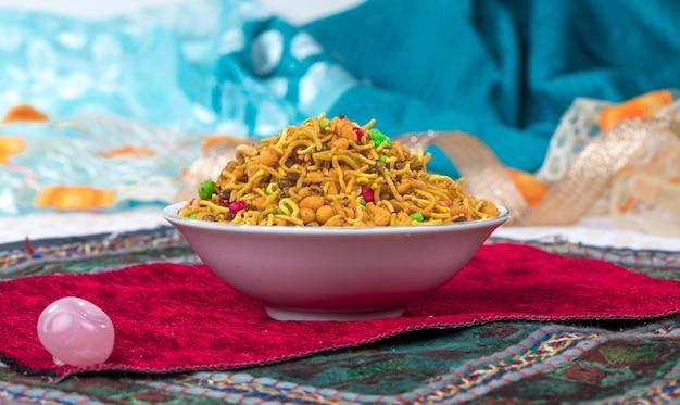 Misture o alimento de namkeen Foto Premium