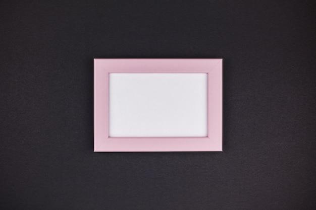Mock-se de uma moldura rosa milenar Foto Premium