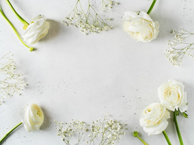 Moda branca, flores plano colocar fundo Foto Premium