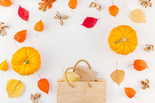 Modelo de promoção outono outono venda de ação de graças Foto Premium