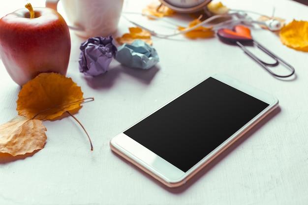 Modelo de smartphone vista superior com tela preta Foto Premium