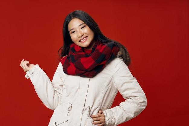 Modelos de jovens bonitos posando, conceito de beleza, retrato da moda Foto Premium