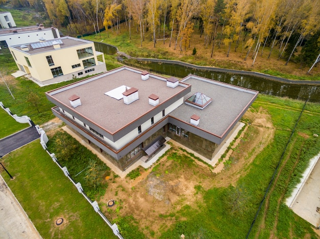 Modernas casas de campo em constru o baixar fotos gratuitas for Fotos casas de campo con piscina