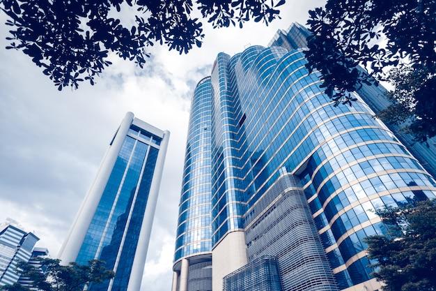 Modernos edifícios de vidro azul Foto Premium