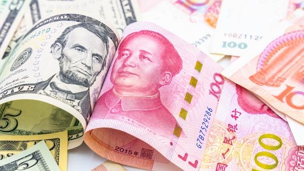 Moeda de papel chinês yuan renminbi bill notas Foto Premium