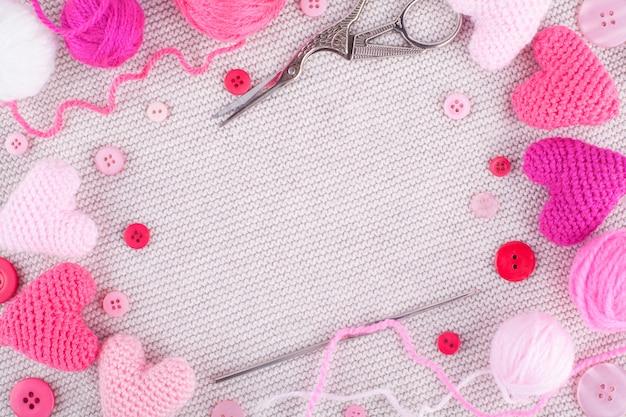 Moldura de corações rosa de malha Foto Premium