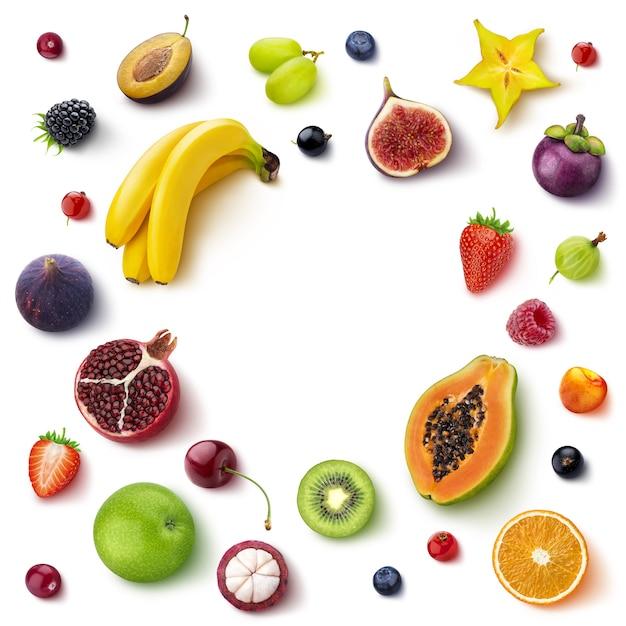 Moldura feita de diferentes frutas e bagas Foto Premium