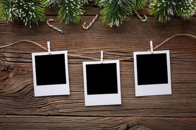 Molduras de vista superior em uma mesa com maquete Foto gratuita