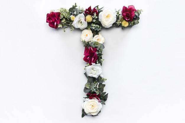 Monograma floral da flor letra t Foto gratuita