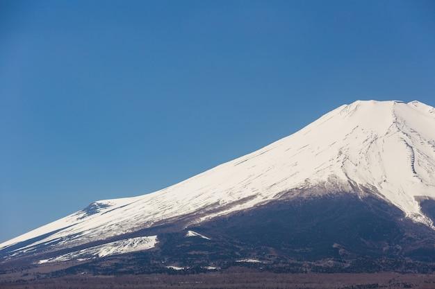 Montanha fuji do lago yamanakako no dia do céu claro Foto Premium