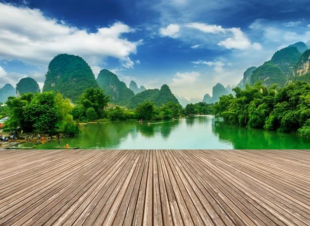Montanhas azuis paisagem de turismo famoso lijiang Foto gratuita