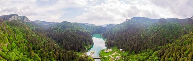 Montanhas bucegi na roménia Foto Premium