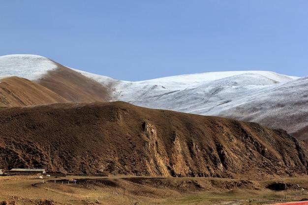 Montanhas de leh, ladakh, jammu e caxemira, índia Foto Premium