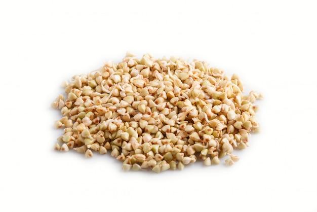 Montão do trigo mourisco germinado isolado, vista lateral. Foto Premium