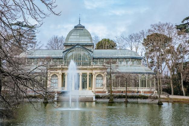 Monumento palacio de cristal, madrid Foto Premium