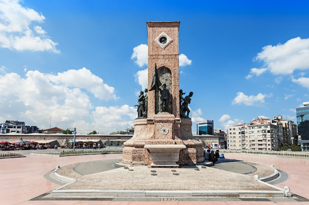 Monumento, praça taksim Foto Premium
